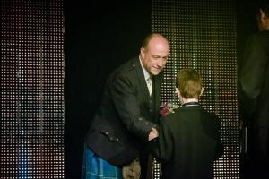 04-CEO SportScotland, Stewart Harris,  presenting award